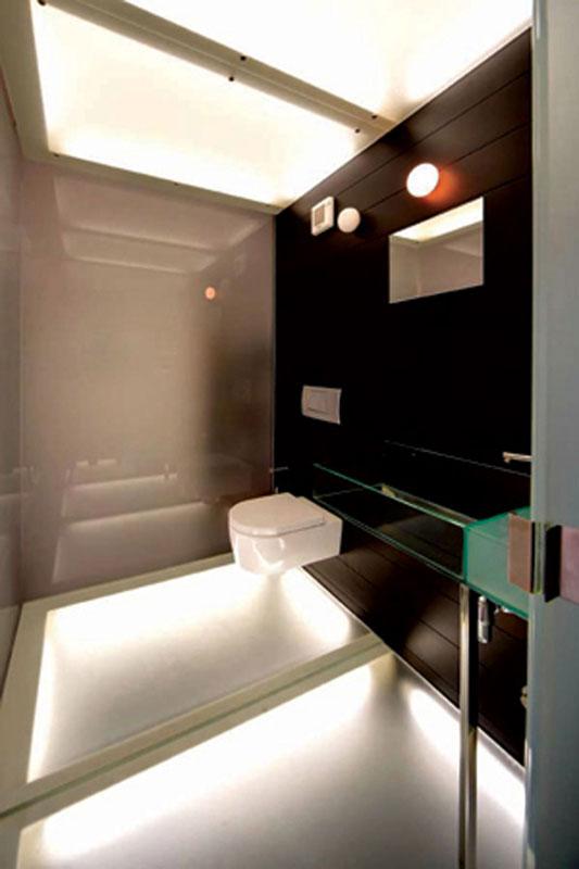 Staircase bathroom design by Annalisa Mauri